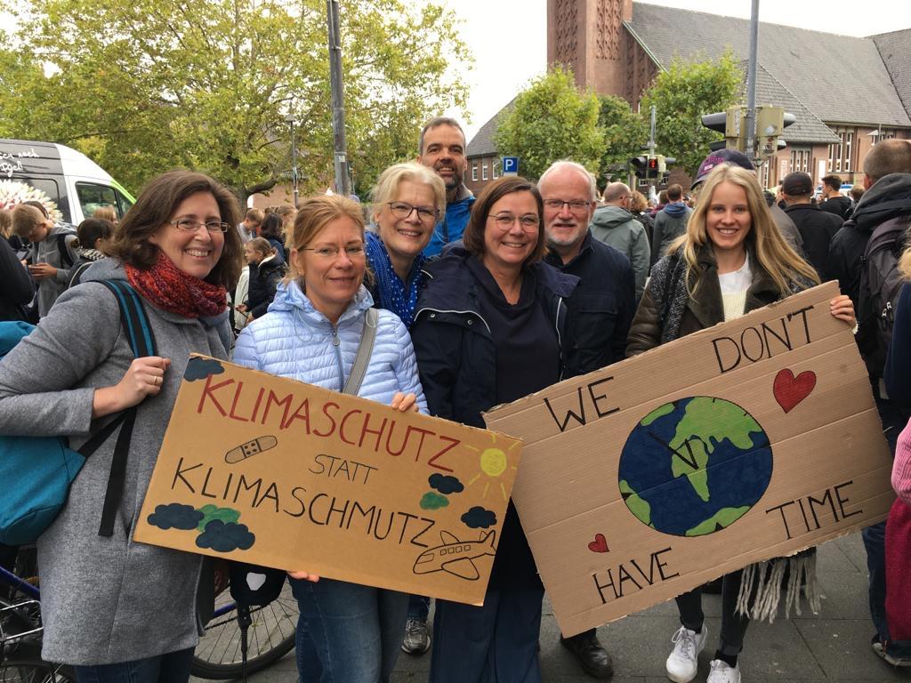 EFB Kolleg*innen beim Klimastreik